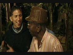 CUBA FELIZ. Cantando en Guantánamo.