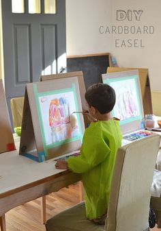 A quick and easy way to make a table easel out of cardboard.