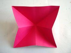 Kelebek Sanat Etkinliği | MiniMiniyiz Origami Butterfly Easy, Paper Roses, Diy, Butterflies, Creative Crafts, Creativity, Bricolage, Do It Yourself, Butterfly