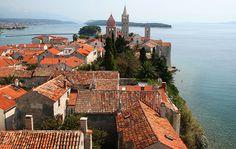 Rab je grad u Hrvatskoj na otoku Rabu. Rab se prvi put spominje u putopisu grčkog geografa Pseudo Skilaksa, koji otoke Rab i Pag spominje…