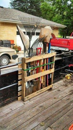 Fast, easy, DIY Pallet Shovel and Rake Organizer.
