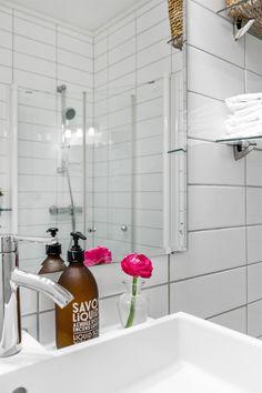 Bath Caddy, Real Estate, Flat, Rome, Bass, Real Estates, Dancing Girls, Flat Shoes