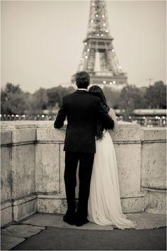 A Paris Engagement Session by Juliane Berry Photography via www.lemagnifiqueblog.com