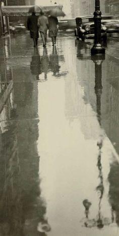 Rainy Street, New York, Three Figures, 1932, Fred Zinnemann. American Film Director, born in Austria (1907 - 1997)