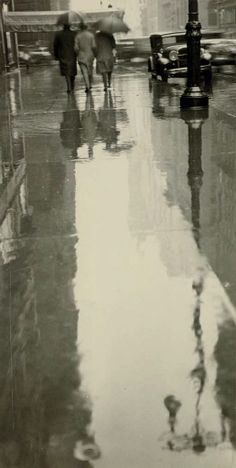 Rainy Street, New York, Three Figures, 1932, Fred Zinnemann. American Film Director, born in Austria (1907 - 1997)