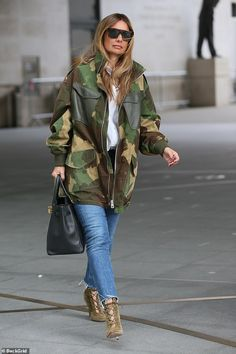 Louise Redknapp turns heads in camouflage jacket as she leaves radio studios Camouflage Fashion, Camouflage Jacket, Camo Fashion, 50 Fashion, Fashion Outfits, Womens Fashion, Louise Redknapp, Army Print, Mode Ootd