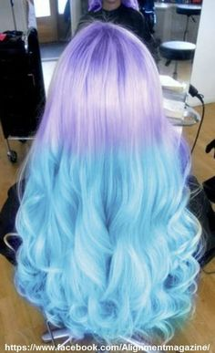 Love is in the HAIR 25 wunderschöne Meerjungfrau Haarfarbe Ideen Who is Making New York Hairless? Cute Hair Colors, Pretty Hair Color, Hair Dye Colors, Ombre Hair Color, Blue Ombre, Pastel Colors, Light Colors, Pastel Shoes, Pastel Blue Hair