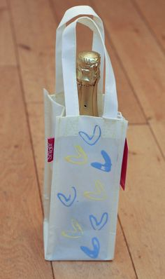 Decorated gift bag w