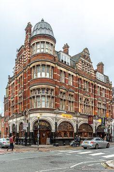 Crouch End is one of the best under-the-radar London neighborhoods. London Neighborhoods, London Pubs, London Places, English Architecture, Historical Architecture, London Blog, London Travel, Beautiful Buildings, London England