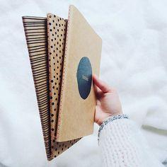 Book binding supplies notebooks Ideas for 2019 Diy Notebook Cover, Notebook Design, Cool School Supplies, Stationary School, Diy Back To School, School Notebooks, Paper Book, Book Binding, Stationery