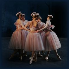 4 Tips To Stay Healthy For Ballet Class Shall We Dance, Just Dance, Ballet Costumes, Dance Costumes, Princesa Tutu, Pretty Ballerinas, Dance Like No One Is Watching, Ballet Photography, Ballet Beautiful