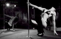 Pole Dance #poledance #reflection #poledancer