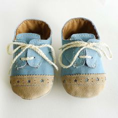 0-6M Baby Shoes Boy or Girl- Baby Blue Canvas with Brogued Beige Leather Crib shoes