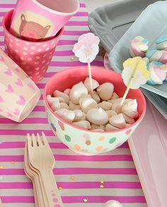 A vida vira uma FESTA com os produtos #ricedk, diretamente da #Dinamarca para você!!! #mimootoysndolls Foto: Sidny Doll Produção: Fernanda Emmerick Realização: @mixconteudo para @mimootoysndolls #festa #festinha #Ricedk #Decoraçãoinfantil #bowl #melamina