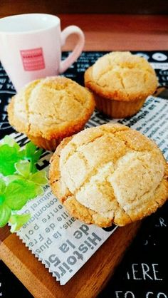 HMで簡単☆卵不使用メロンパンマフィン。 Dessert Recipes, Desserts, Bento Box Lunch, Sweets, Yummy Food, Cupcakes, Baking, Snacks, Cornbread