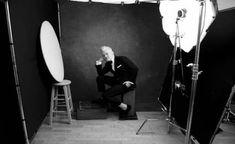 New Photography Poses For Men Annie Leibovitz 44 Ideas Photography Studio Setup, Photography Poses For Men, Light Photography, Vintage Photography, Portrait Photography, Food Photography, Modeling Photography, Concert Photography, Photography Portfolio