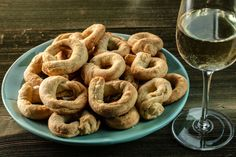 Taralli are a crispy ring-shaped Italian snack, made of flour, olive oil, salt, water and not much else. They're hard to describe to the uninitiated. Italian Food List, Italian Snacks, Italian Dishes, Italian Recipes, Italian Foods, Italian Biscuits