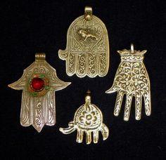 Favorite Khamsas Hamsa Jewelry, Hamsa Necklace, Hippie Jewelry, Heart Jewelry, Skull Jewelry, Tribal Jewelry, Jewellery, Vintage Costume Jewelry, Vintage Jewelry