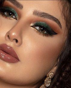 Eye Makeup Tips, Beauty Makeup, Hair Makeup, Celebrity Skin, Silver Cat, Make Me Up, Fantasy Makeup, Eyeshadow Looks, Woman Face