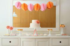 Primera Comunion ideas para decorar en rosa y naranja Pink and orange party Pink Dessert Tables, Orange Dessert, Pink Desserts, Tangerine Wedding, Orange Party, 9th Birthday Parties, 3rd Birthday, Colorful Party, Pink Parties