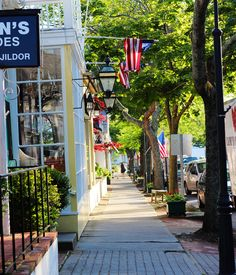 jobs street southampton, the hamptons, best shopping in the hamptons, shopping in southampton Die Hamptons, Hamptons House, Hamptons New York, Long Island Ny, Southampton New York, South Hampton, Vacation Trips, Vacations, Main Street