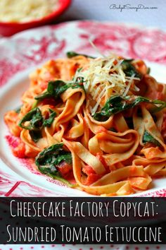 Done in under 20 minutes - everyone in your family will love it!!! MUST MAKE RECIPE - Make sure to pin Cheesecake Factory Copycat: Sundried Tomato Fettuccine Recipe #copycat #recipe #pasta #cheesecakefactory #budgetsavvydiva via budgetsavvydiva.com