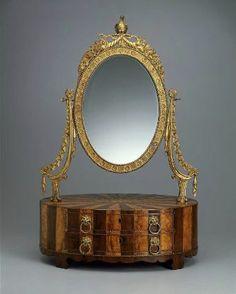 Dressing box with looking glass. Samuel McIntire Boston/Roxbury or Salem. (1757-1811) Stunning little piece of work!