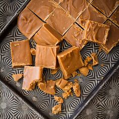This is very similar to my favourite fudge recipe! April or search 'fudge'. Personally I'm not using Nestle condensed milk though. Fudge Recipes, Candy Recipes, Wine Recipes, Sweet Recipes, Dessert Recipes, Crumbly Fudge Recipe, Yummy Treats, Sweet Treats, Sweets