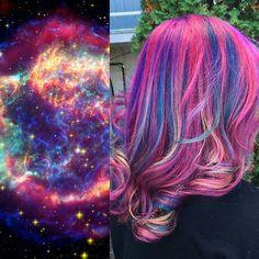 Galaxy Hair Is The Latest Out Of This World Hair Trend – Simplemost - Modern Pretty Hair Color, Hair Color Purple, Hair Colors, World Hair, Creative Hairstyles, Mermaid Hair, Crazy Hair, Rainbow Hair, Hair Designs