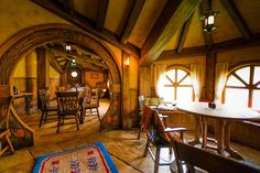 Home Decoration In Pakistan Tolkien, Hobbit House Interior, Hufflepuff Common Room, Fairytale House, Sweet Home, Forest Cabin, Underground Homes, Gnome House, Earth Homes