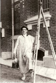 French House Painter, Circa 1920 House painters have come a long way. painters.edu.au #painters