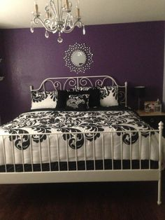 Purple, black and white vintage chic room