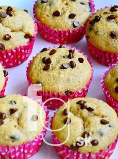 Vláčne banánové muffiny s kúskami čokolády Valspar, Christmas Sweets, Healthy Recipes, Healthy Food, Food And Drink, Treats, Breakfast, Desserts, Fit