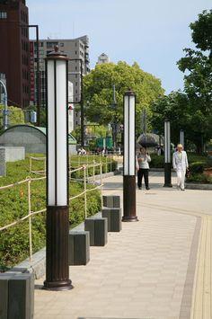 "LED street lights in Sannomiya, Kobe, Japan フラワーロード 光のミュージアム ""TORONTO CANADA, WHERE ARE YOU WHEN IT COMES TO STREET LIGHTS."