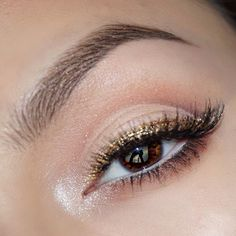 """I love how everything is out of focus except my eye ball & the shimmer in my inner corner lol I did this look around the holidays Makeup deets:…"""