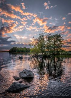 One of the many lakes of Finland All Nature, Amazing Nature, Pretty Pictures, Cool Photos, Beautiful World, Beautiful Places, Photos Voyages, Beautiful Landscapes, Wonders Of The World