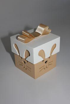 """Caixa em MDF """"cara de coelho"""" capuccino. Acompanha laço chanel. R$ 8,00"""