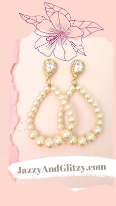 Looking for an accessory to complete your polished big-day look? Consider these modern twists on the classic pearl accessory. Pearl Drop Earrings, Bridal Earrings, Crystal Necklace, Decorative Hair Combs, Vintage Wedding Jewelry, Wedding Day, Pearls, Twists, Accessories