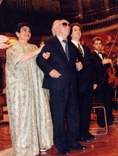 The Victoria de los Ángeles Foundation aims to preserve the memory of this great lyric soprano, a singer who in every theatre performed opera and lied as her extensive discography shows. Victoria, Classical Music, Opera, Shows, Singer, Gallery, Image, Fashion, Musica