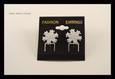 Snowflake (3rd design) Only 1 pair-$2.50  www.facebook.com/mikabellascloset