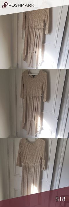 Forever 21 high-low cream quarter sleeve dress Soft and comfy high-low Forever 21 dress in cream, perfect condition. Size large. Forever 21 Dresses High Low