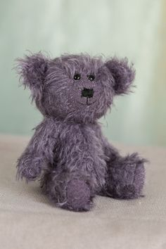 Helloooo!! I am Cato-Ann, one of the recent Muppie's Bears Autumn 2020 collection! I am a cute and adorable little bear, made of original purple Helmbold mohair, that is looking forward to meet my new adoption family! Height standing: 16 cm (6.3 inches) Height sitting: 13 cm (5.12 inches) Little Gifts, Bears, Adoption, Ann, Teddy Bear, Meet, Autumn, Purple, Handmade