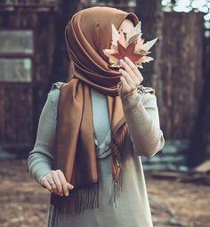 Hijabi Girl, Girl Hijab, Hijab Outfit, Stylish Girls Photos, Stylish Girl Pic, Beautiful Profile Pictures, Islam Women, Islamic Girl, Hijab Fashionista