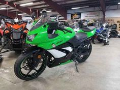 Used 2009 Kawasaki Ninja 250R Motorcycles For Sale in Oregon,OR. 2009 Kawasaki Ninja 250R, Ninja® 250R Awesome commuter and fun little entry level sport bike! Supersport style, real world comfort, out of this world practicality. Nimble handling, an exceptional personality and a low price tag highlight Kawasaki s Ninja® 250R sportbike, while its Uni-Trak® rear suspension, petal disc brakes and gas-sipping twin-cylinder engine contribute to its class leading performance and value. It s no…