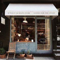 ideas bread shop window store fronts for 2019 Coffee Shop Design, Cafe Design, Store Design, Interior Design, Vitrine Design, Shop Facade, Tiny Shop, Mini Bars, Small Cafe