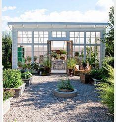 """334 gilla-markeringar, 15 kommentarer - Therese Johansen (@tessjohansen) på Instagram: """"Jag kan inte med ord beskriva, hur gärna jag vill ha ett växthus/orangeri. De där färdiga asen till…"""""""