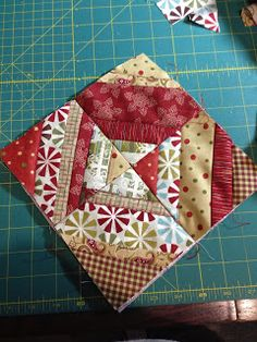 Stitches on My Needle: Quick Gifts for Christmas Scrappy Quilt Patterns, Christmas Quilt Patterns, Mug Rug Patterns, Block Patterns, Quilt Blocks, Sewing Patterns, Christmas Sewing Projects, Small Sewing Projects, Sewing Crafts