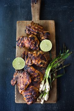 Smoky, spicy and delicious, this Mexican Grilled Chipotle Chicken is bathed in the most flavorful chipotle marinade! Use in salads, bowls, tacos & wraps! Mexican Grilled Chicken, Chipotle Chicken, Grilled Chicken Recipes, Marinated Chicken, Chicken Dips, Cilantro, Easy Healthy Dinners, Healthy Recipes, Mexican Food Recipes