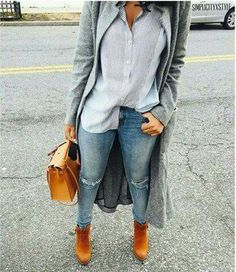 Ripped jeans, long coat, grey coat, blouse, timberlands boots, streetstyle, street chic, trendy outfit