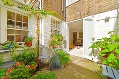 Flat for sale  - 2 bedrooms in Chepstow Road, London